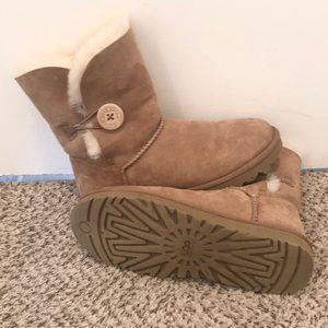 Tan Boots, Ugg